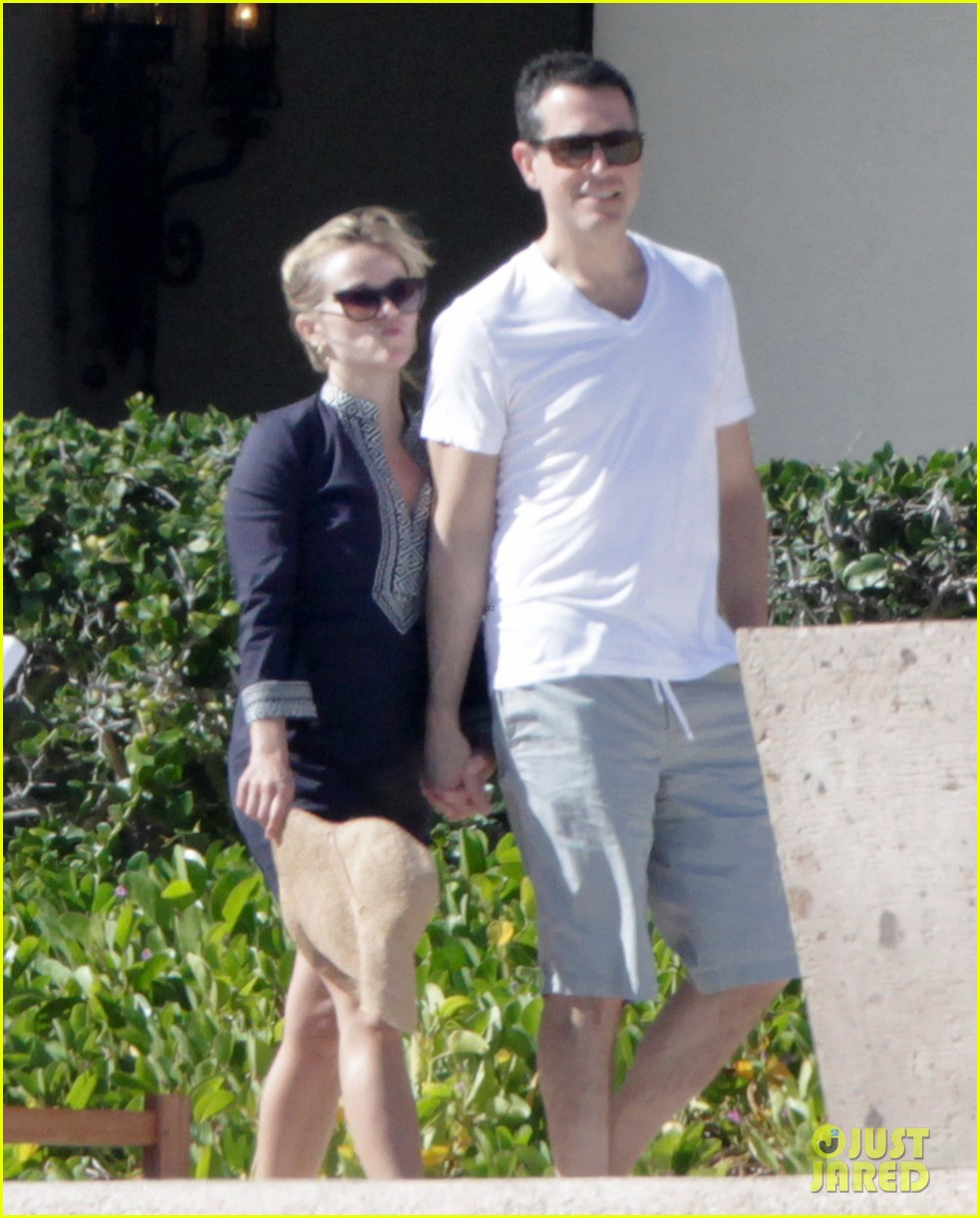reese witherspoon jim toth birthday trip to mexico 052836390