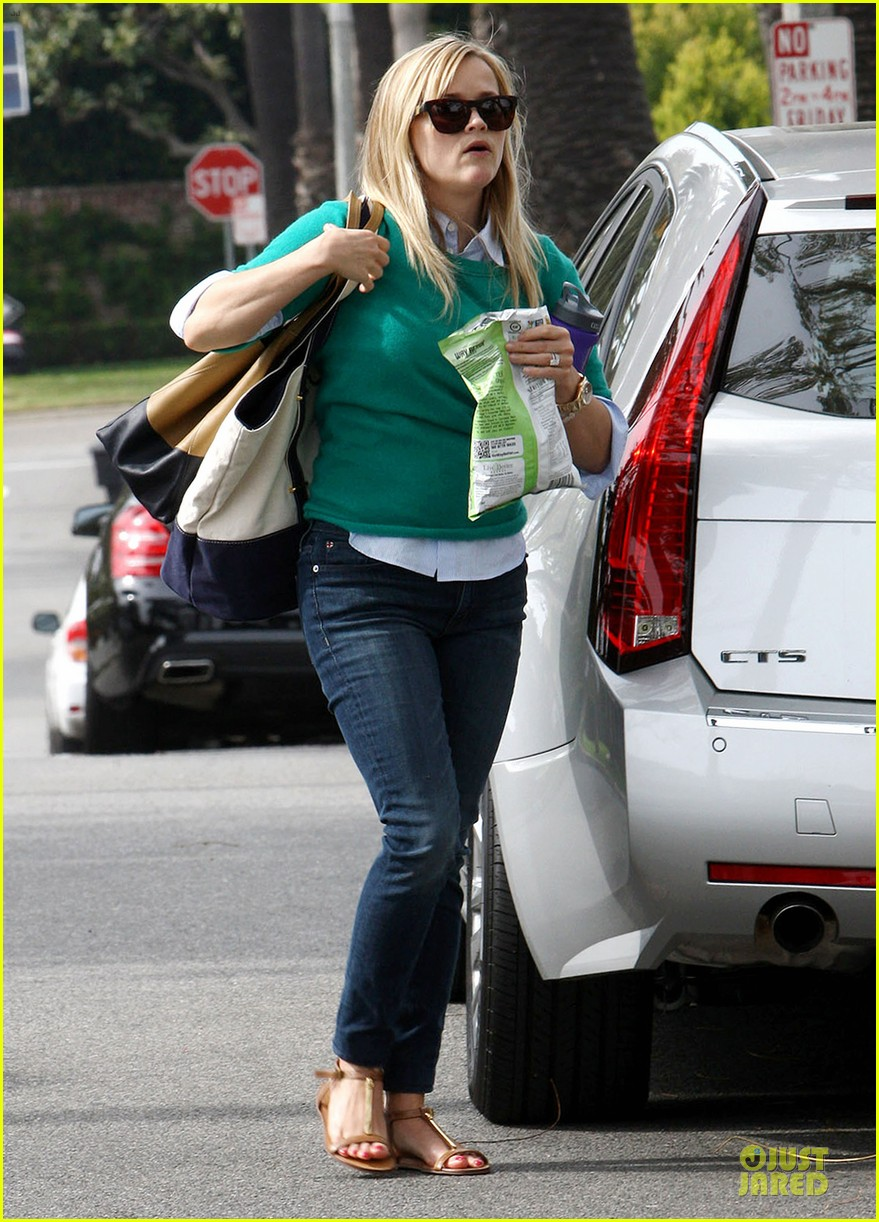 reese witherspoon michael buble told me baby news first 082833966