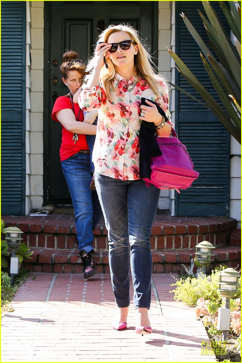 reese witherspoon david fincher in serious talks for gone girl 012831234