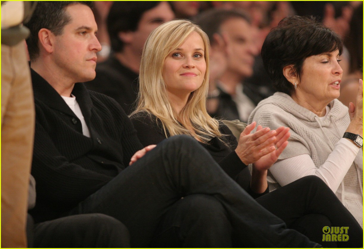 reese witherspoon jim toth lakers game date night 022827771