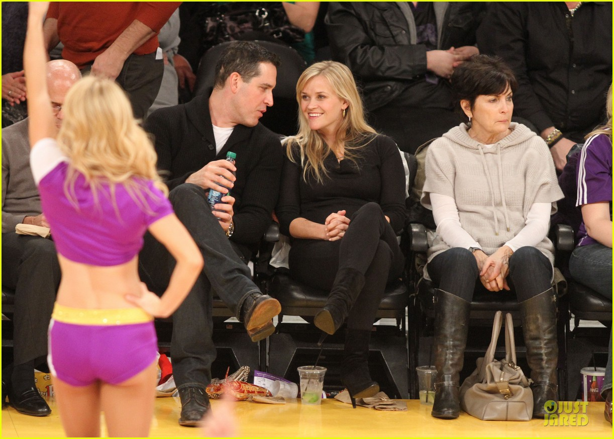 Reese Witherspoon Jim Toth Lakers Date Night