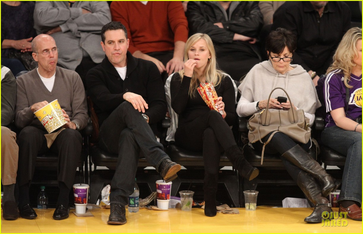 reese witherspoon jim toth lakers game date night 072827776