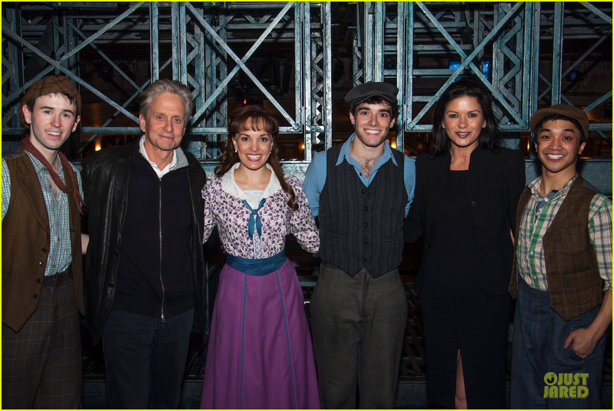 catherine zeta jones michael douglas newsies musical date 052824907