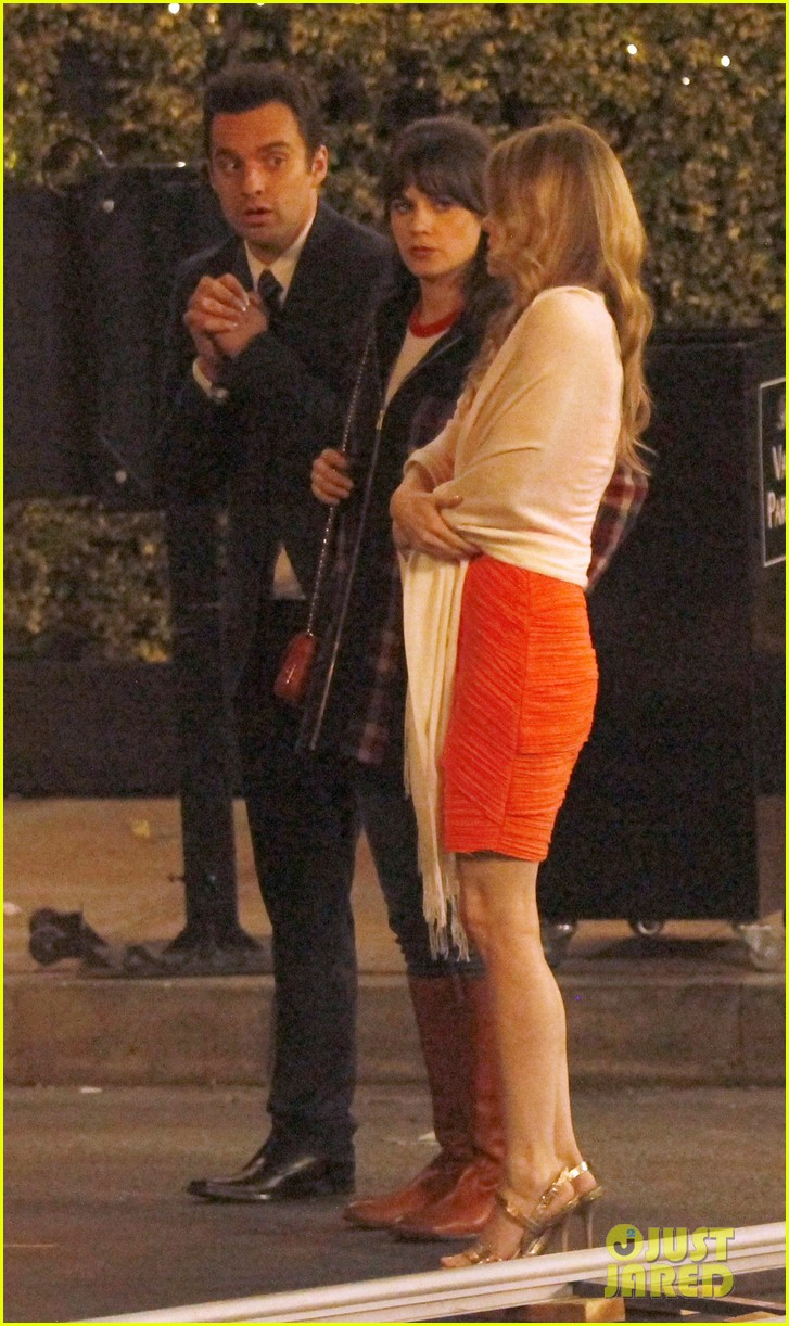 zooey deschanel beso new girl filming 04