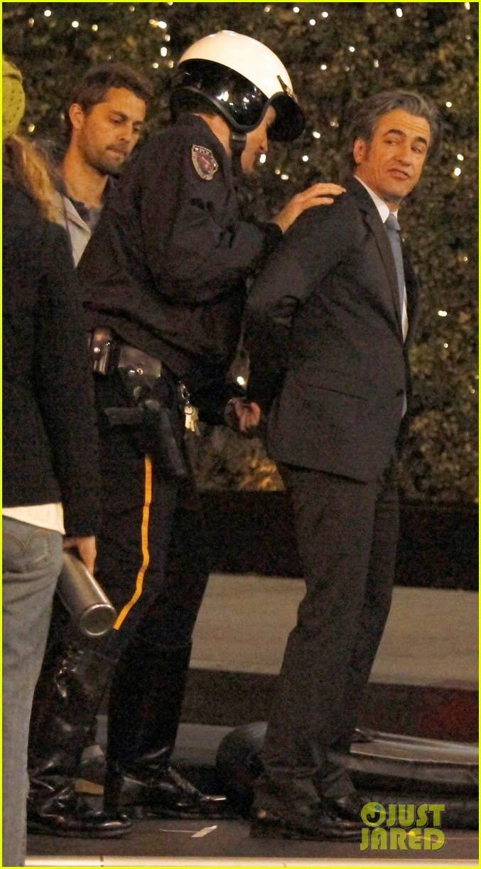 zooey deschanel beso new girl filming 102826162