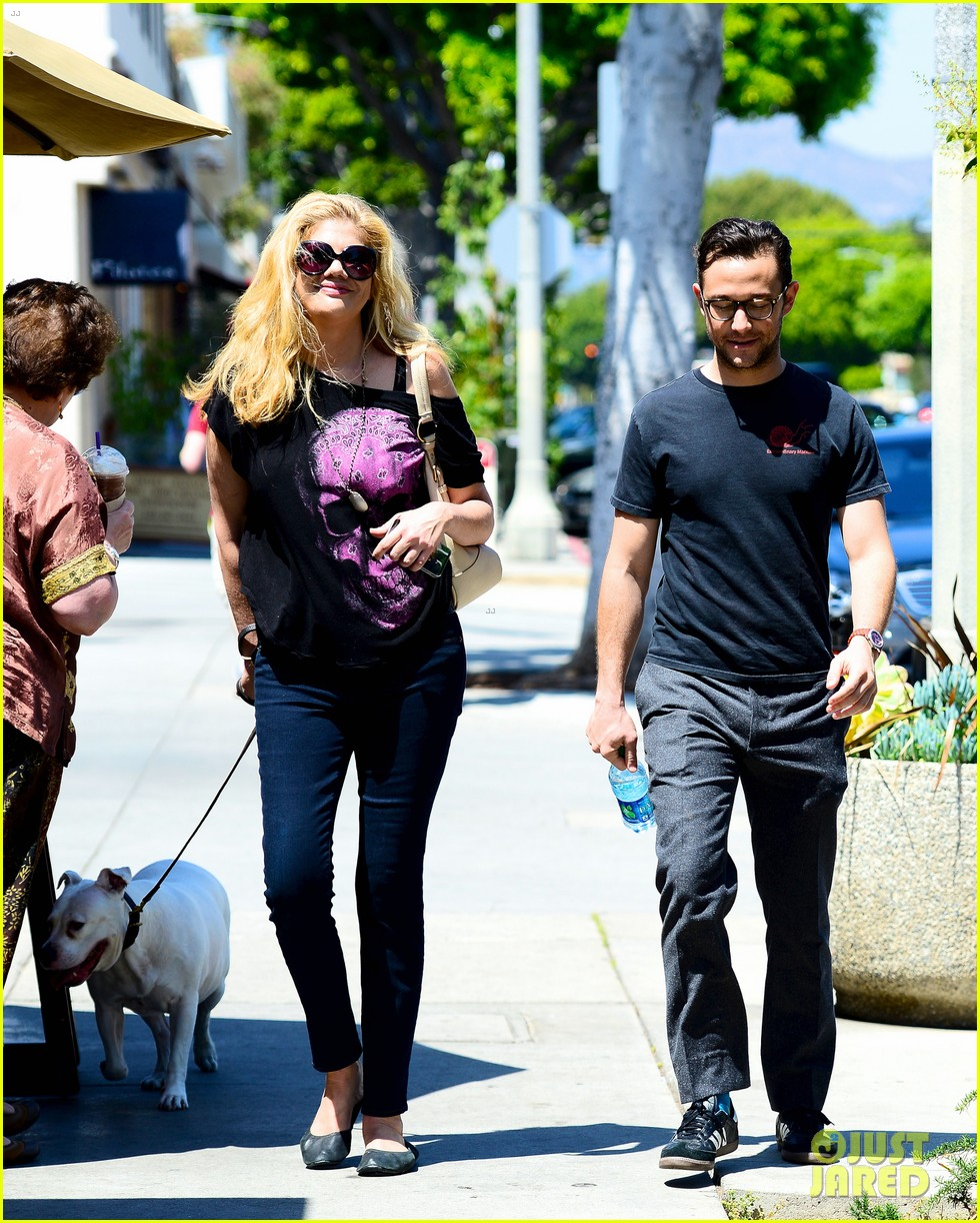 joseph gordon levitt dog walk with kristen johnston 012860307
