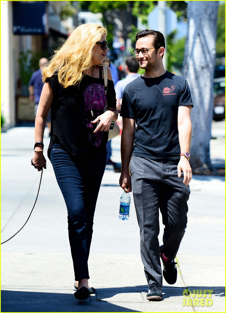 joseph gordon levitt dog walk with kristen johnston 032860309