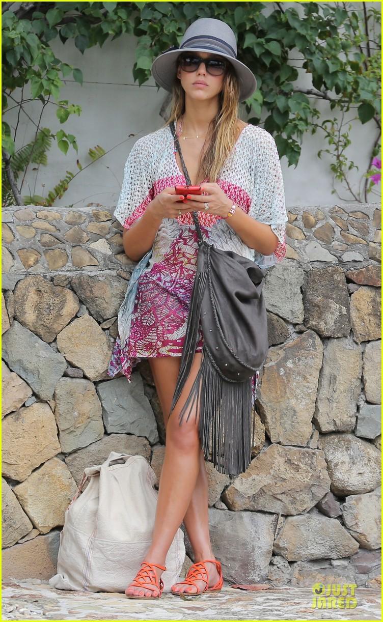 jessica alba st barts bikini babe with shirtless cash warren 01