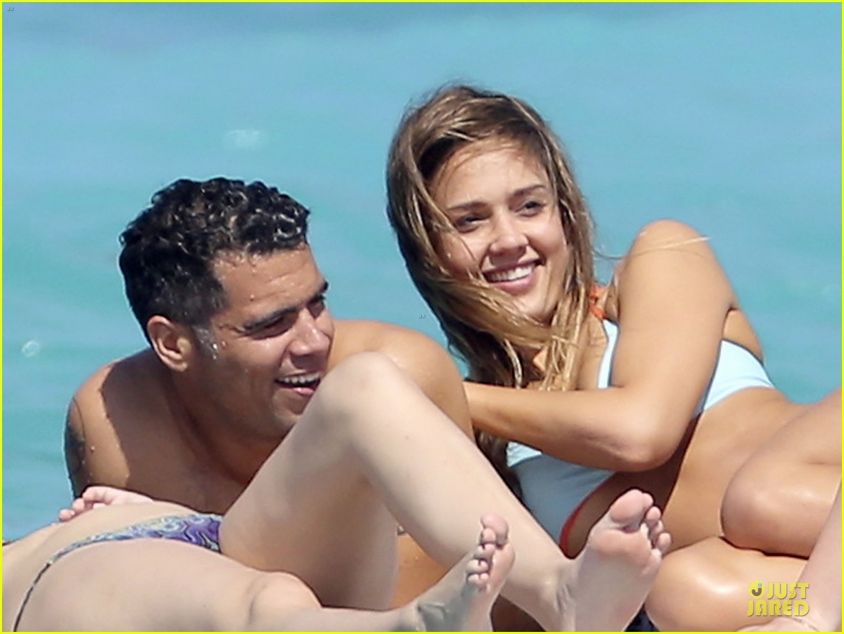 jessica alba st barts bikini babe with shirtless cash warren 042844123