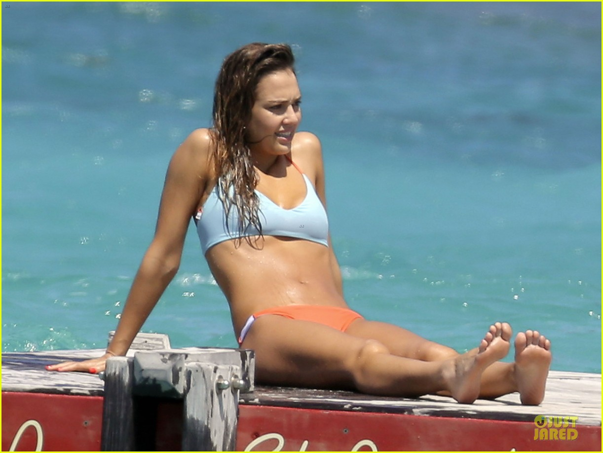 jessica alba st barts bikini babe with shirtless cash warren 142844133
