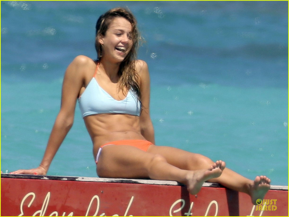 jessica alba st barts bikini babe with shirtless cash warren 24