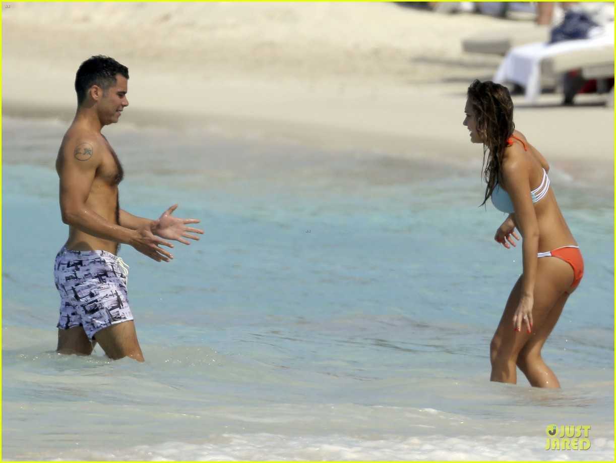jessica alba st barts bikini babe with shirtless cash warren 372844156