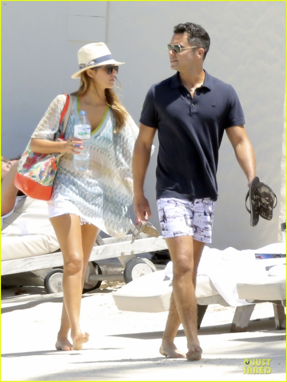jessica alba st barts bikini babe with shirtless cash warren 42