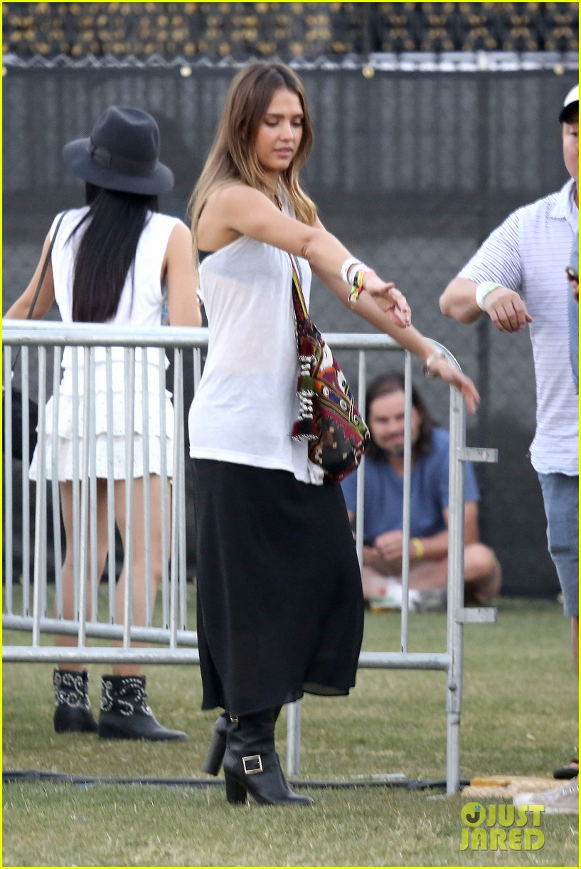jessica alba cash warren coachella couple 27