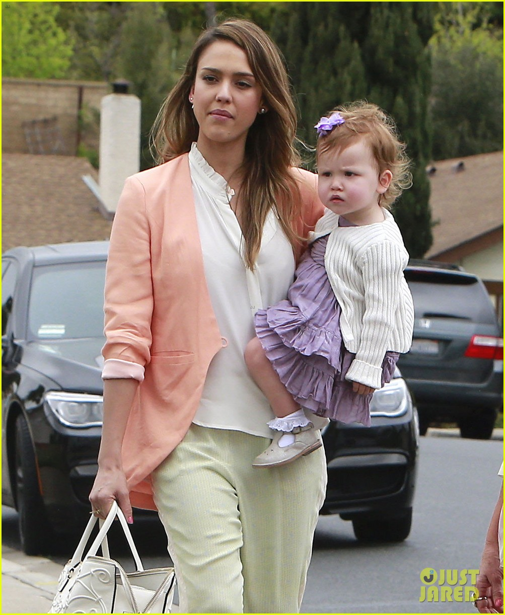 jessica alba cash warren pastels on easter sunday 02