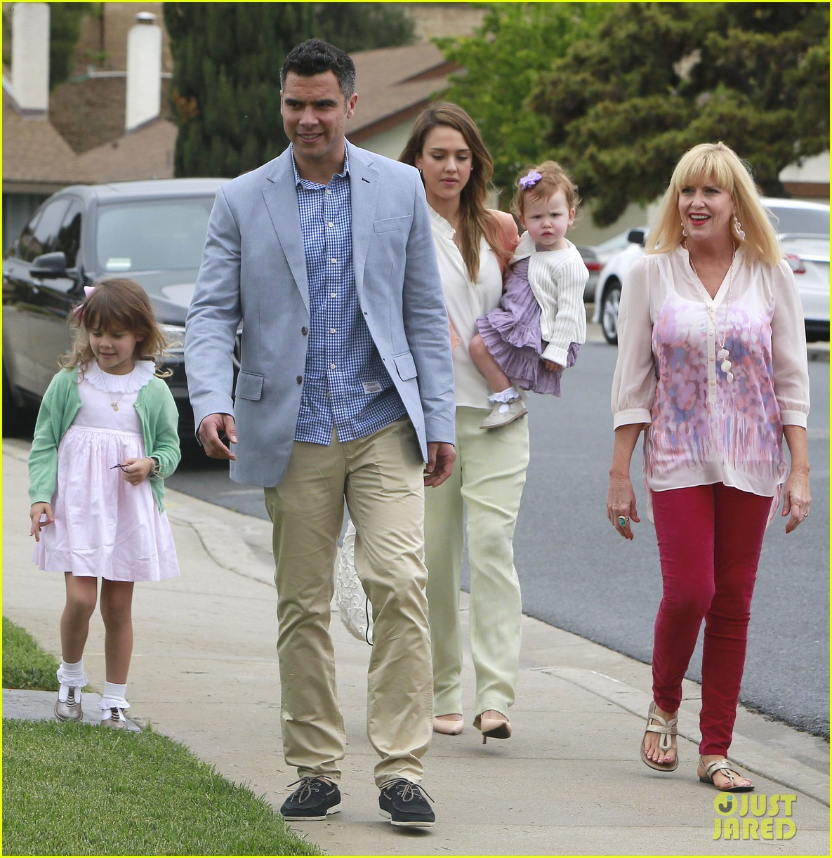jessica alba cash warren pastels on easter sunday 052841251