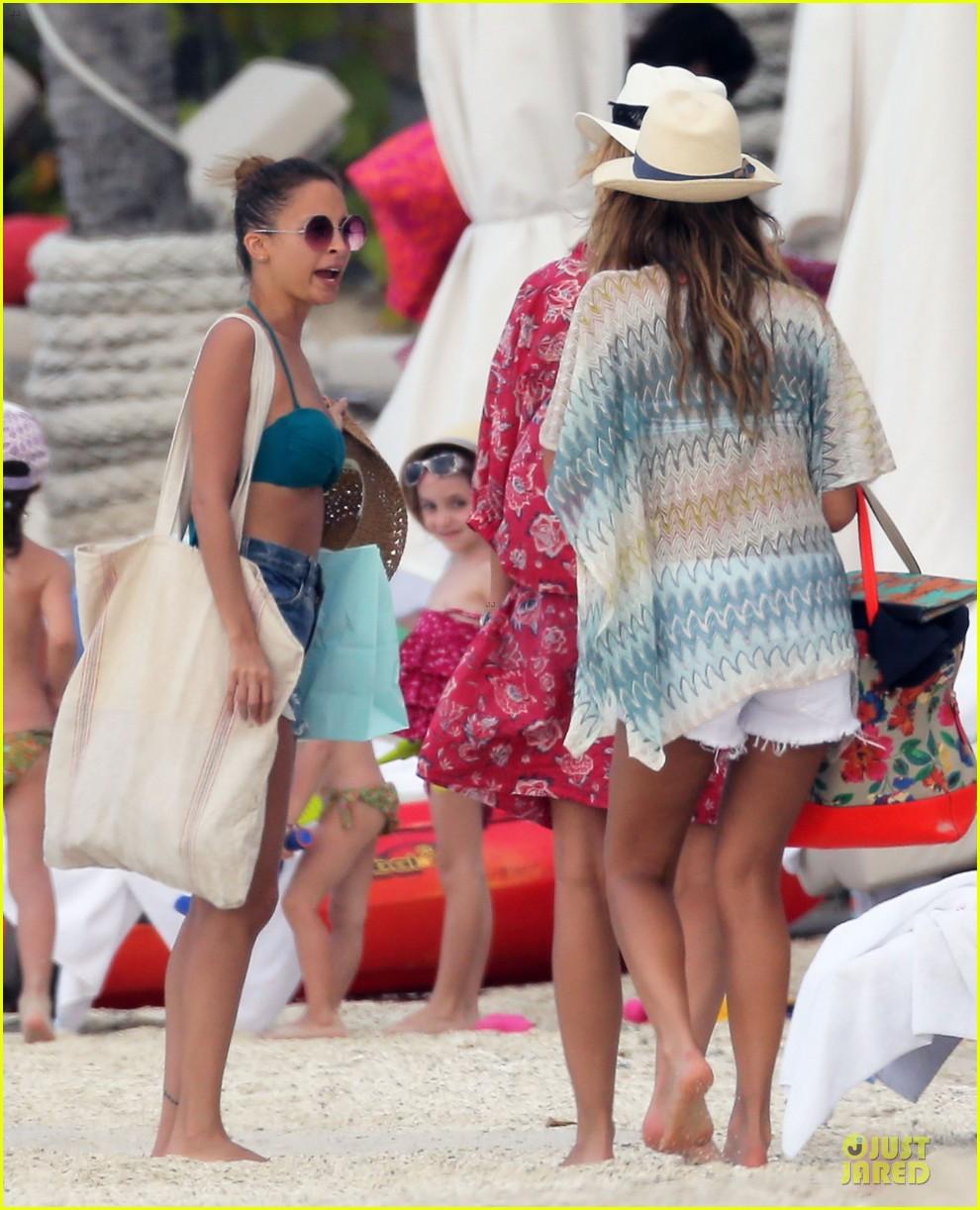 jessica alba nicole richie bikini clad gal pals 182844501
