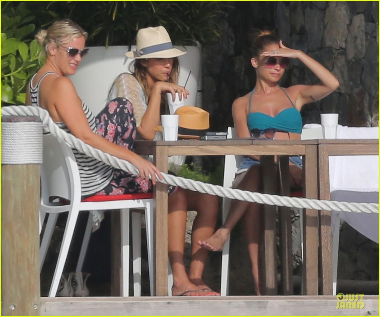 jessica alba nicole richie bikini clad gal pals 242844507