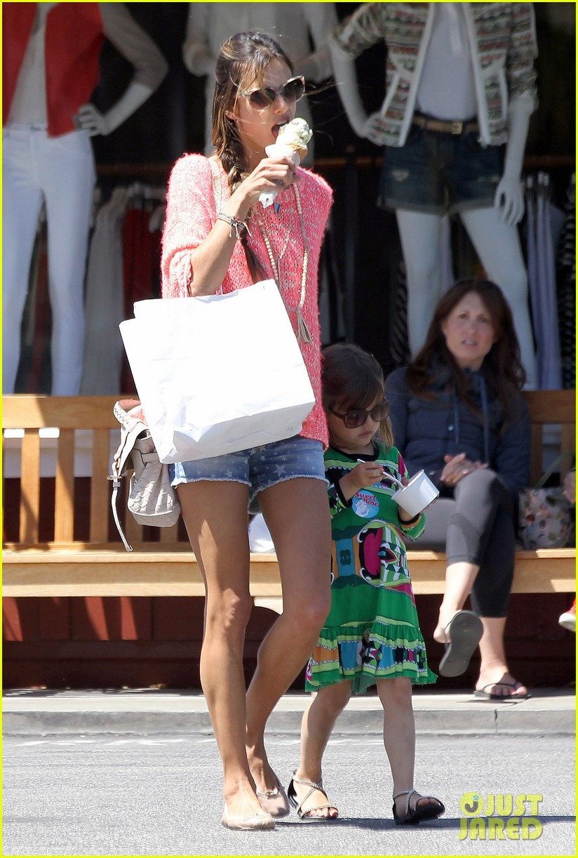 alessandra ambrosio anja ice cream treat 062853537