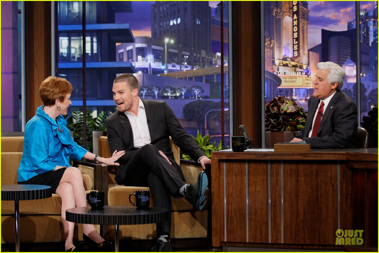 stephen amell male prostitute discussion on leno 032856942