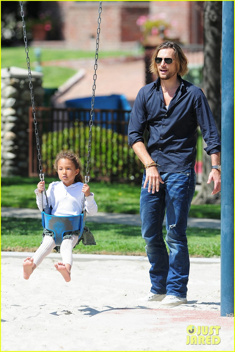 gabriel aubry park playtime with nahla 032858337