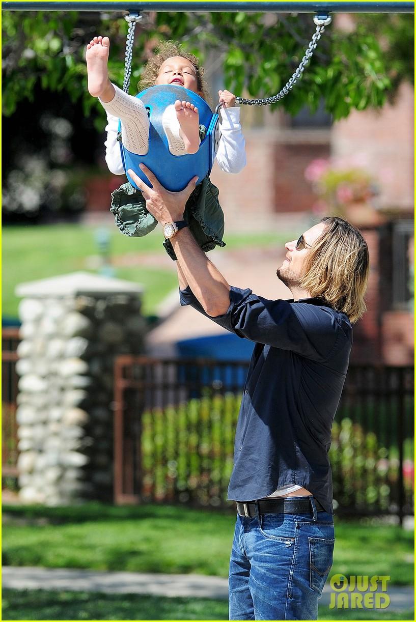 gabriel aubry park playtime with nahla 042858338
