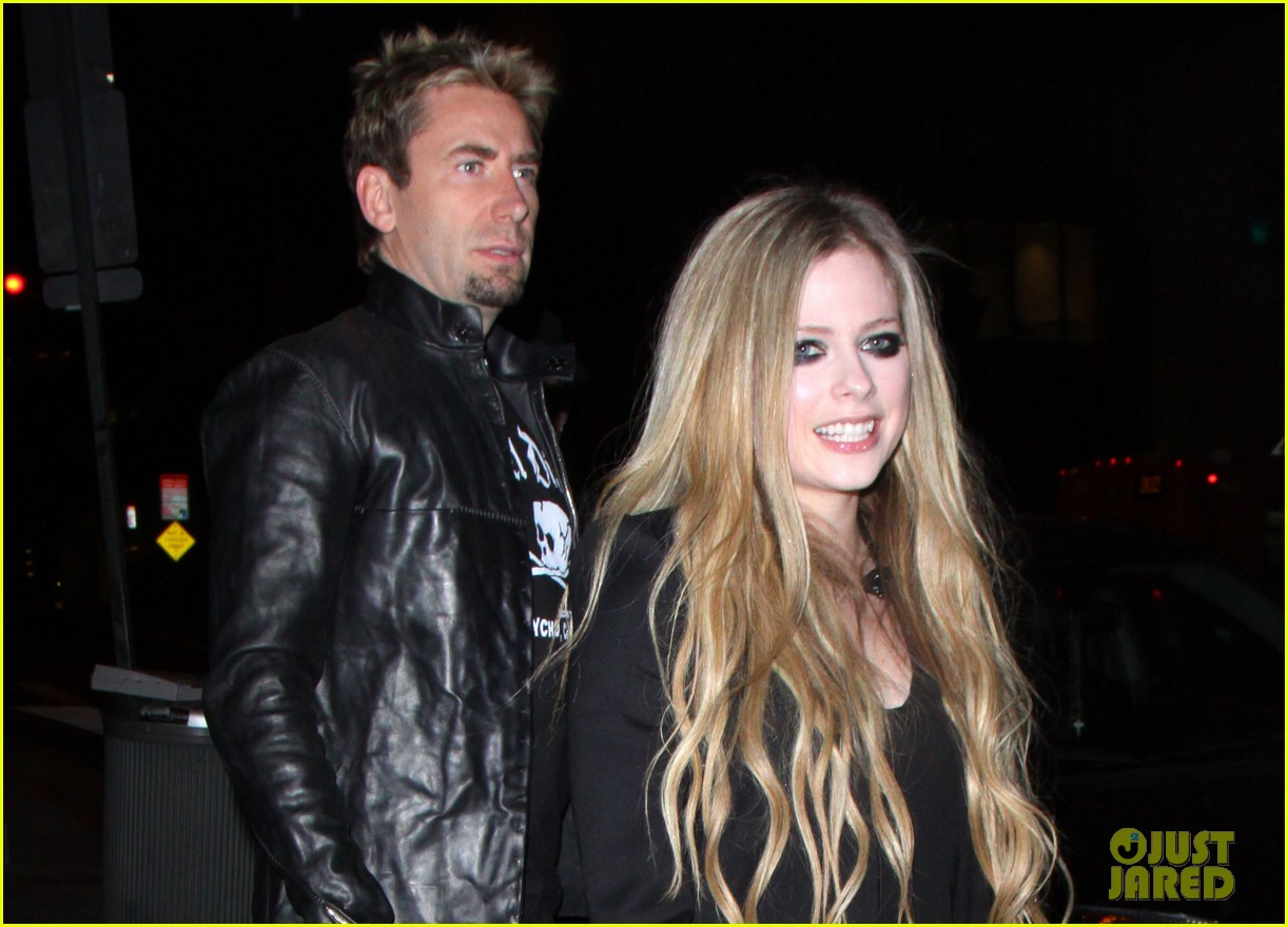 avril lavigne premieres new song 17 at viper room watch now 012858532