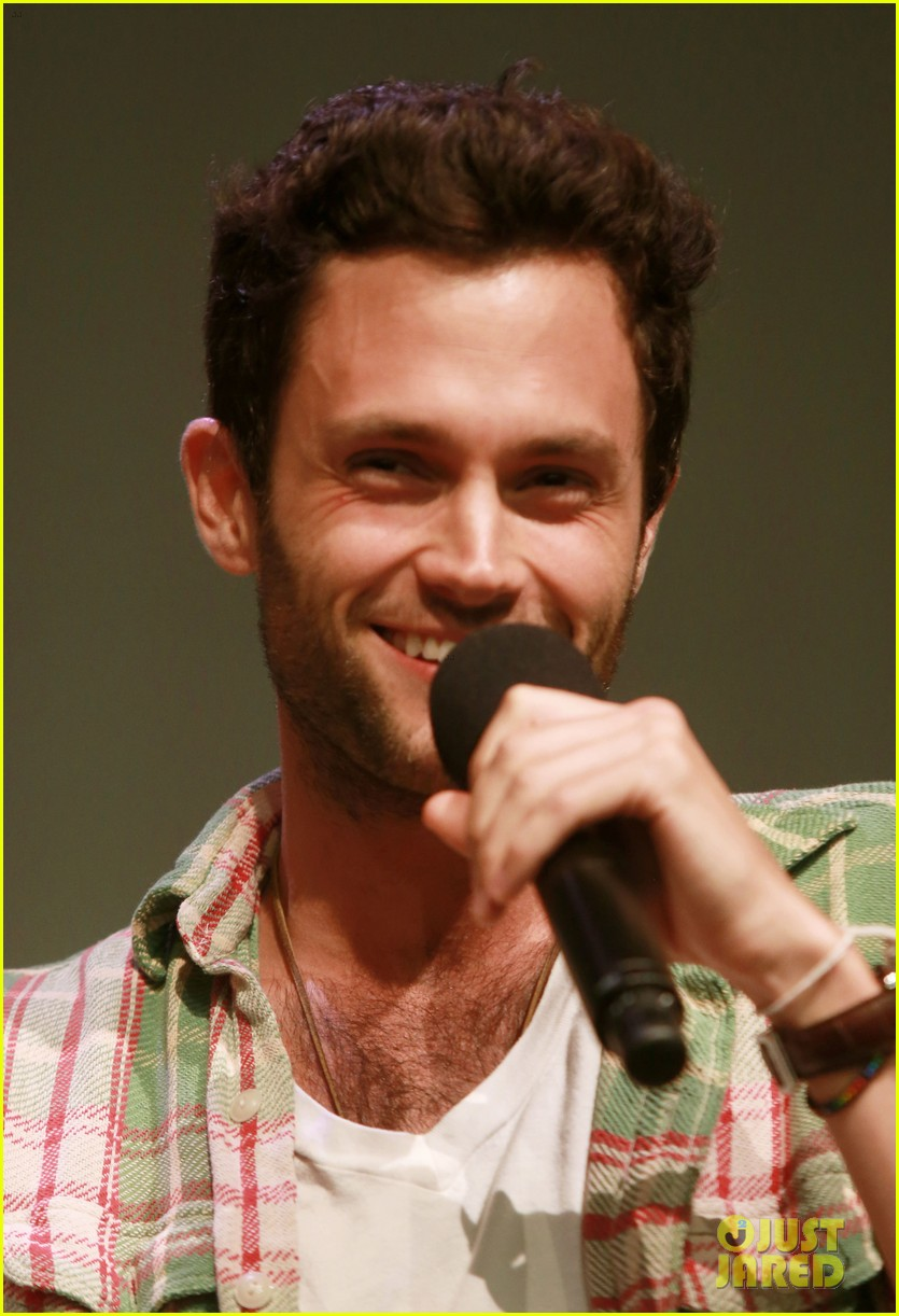 penn badgley greetings from tim buckley apple event 042858301