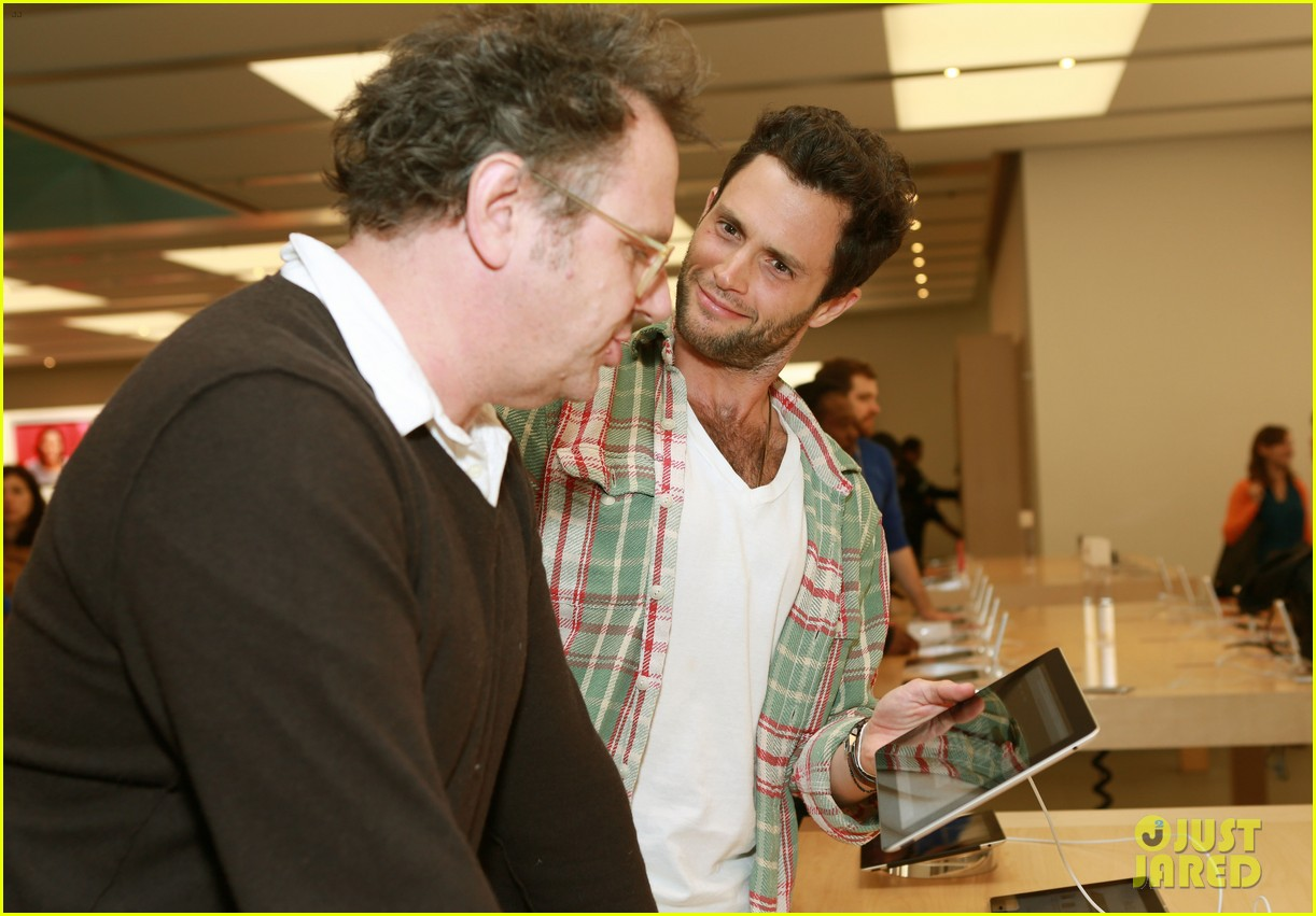 penn badgley greetings from tim buckley apple event 072858304
