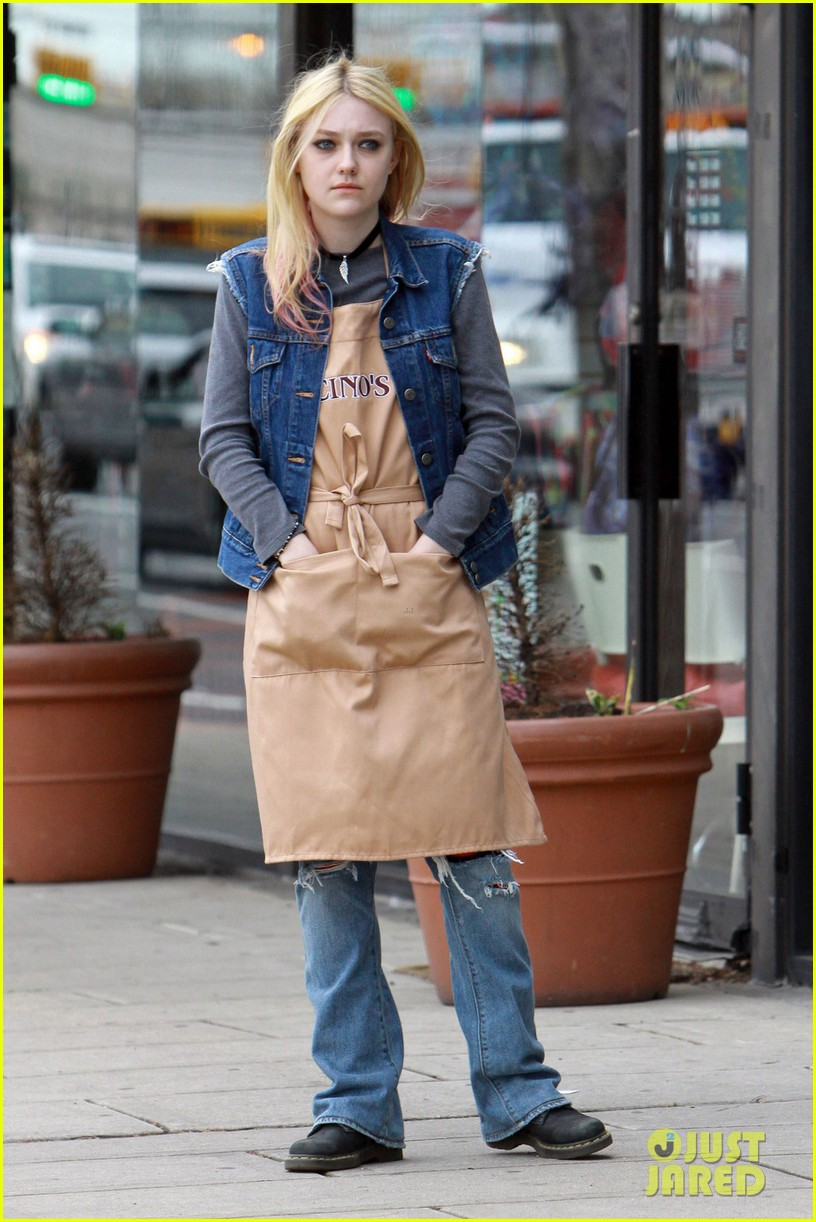 dakota fanning elizabeth banks every secret thing wraps filming 072851988