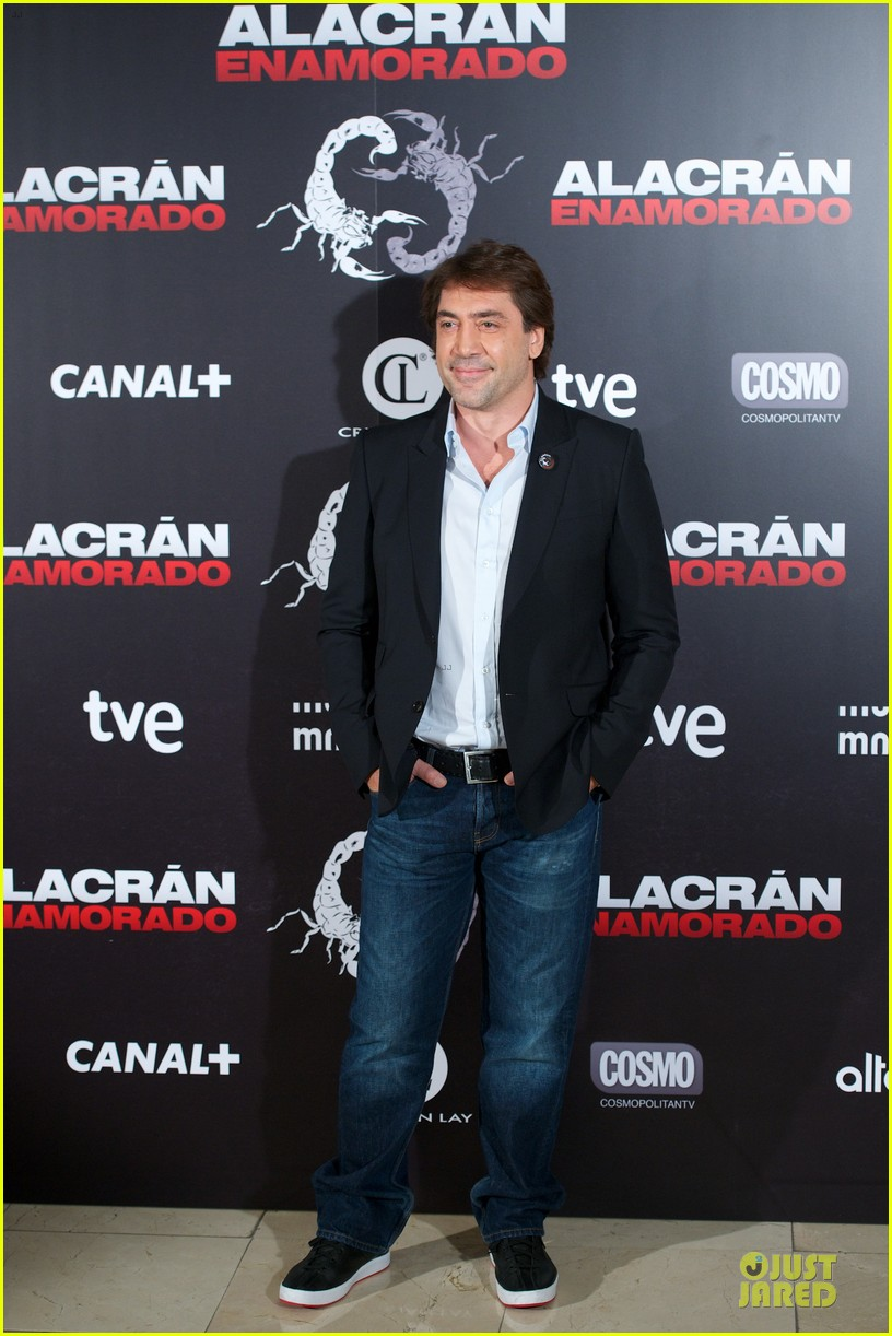 javier bardem alacran enamorado photo call with brother carlos 11