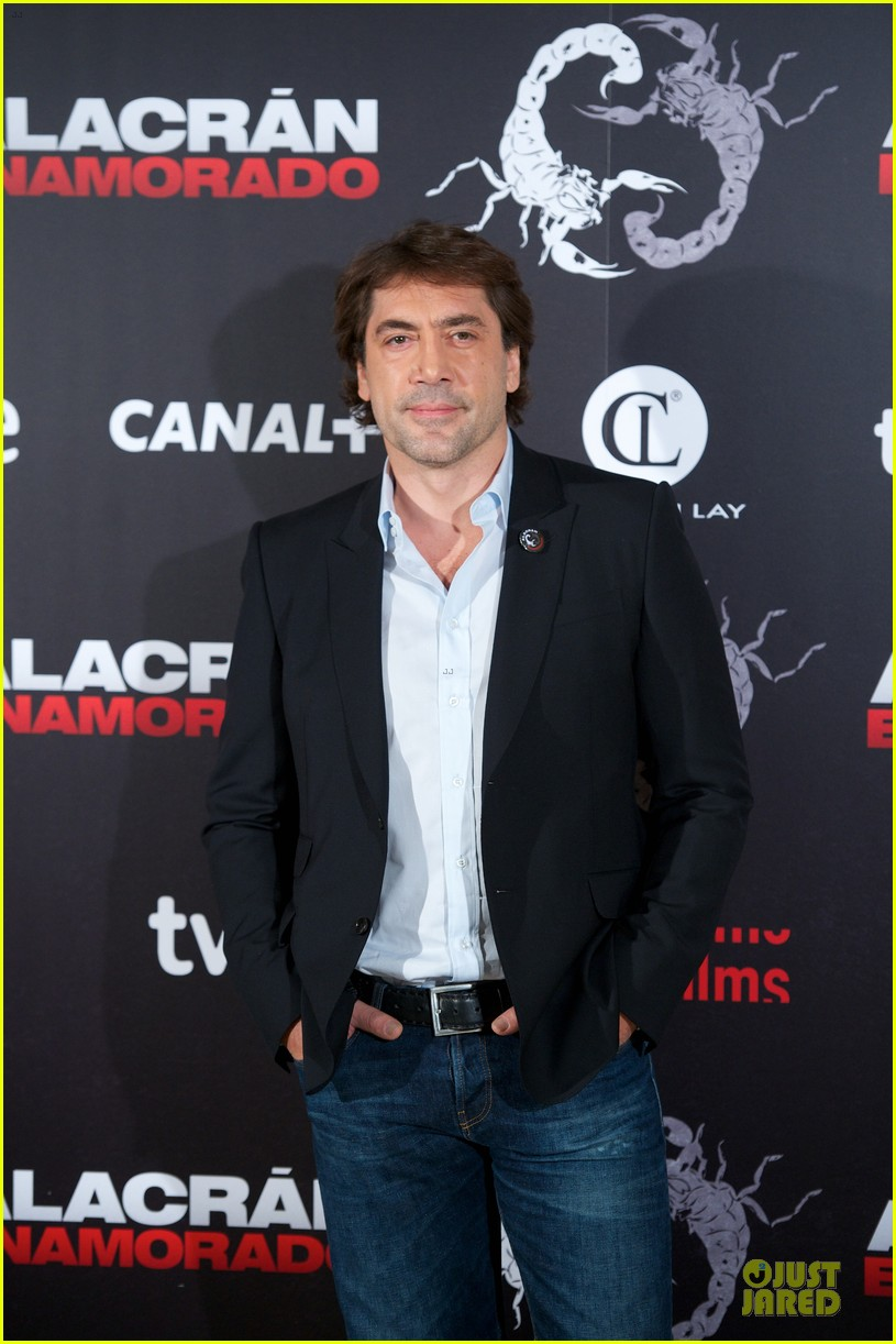 javier bardem alacran enamorado photo call with brother carlos 22