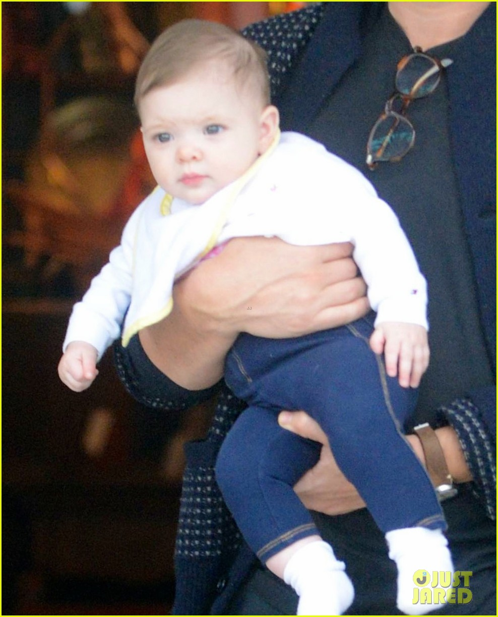 drew barrymore will kopelman antique shopping with baby olive 032850822