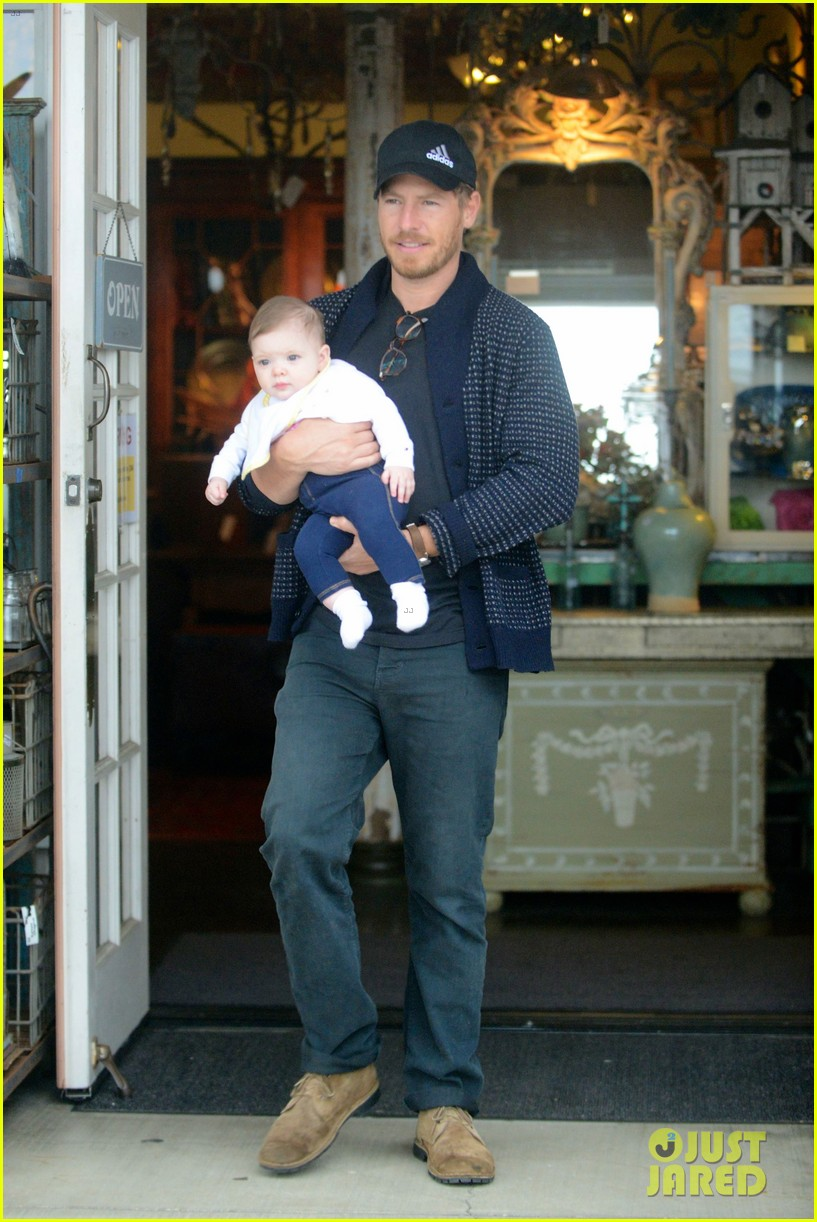 drew barrymore will kopelman antique shopping with baby olive 05