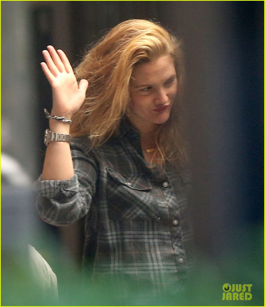 drew barrymore back to blonde 142861252