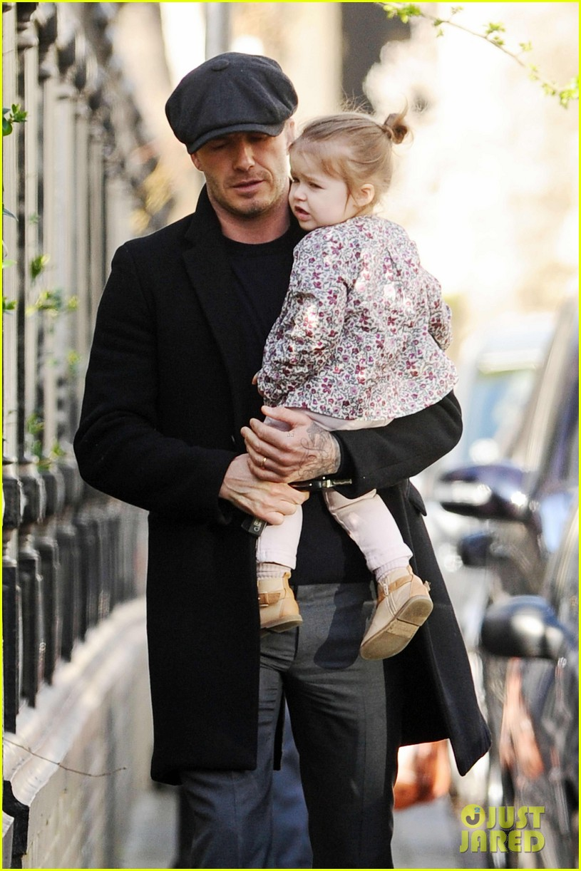 victoria david beckham day out with harper 022857197
