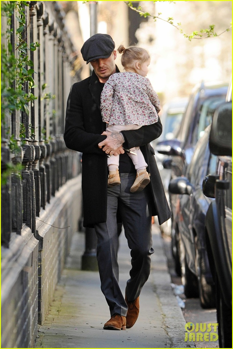 victoria david beckham day out with harper 062857201
