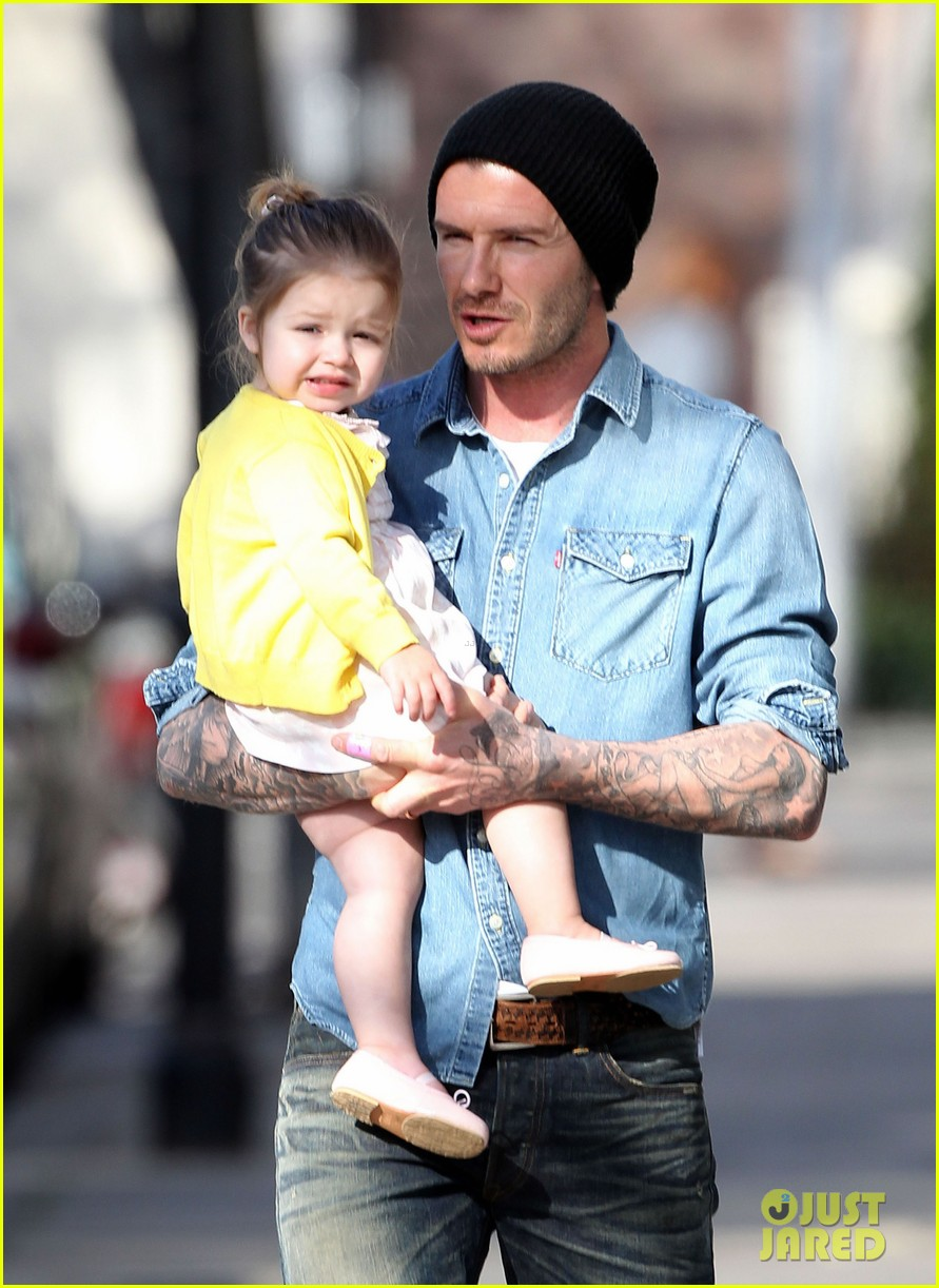 victoria david beckham day out with harper 082857203