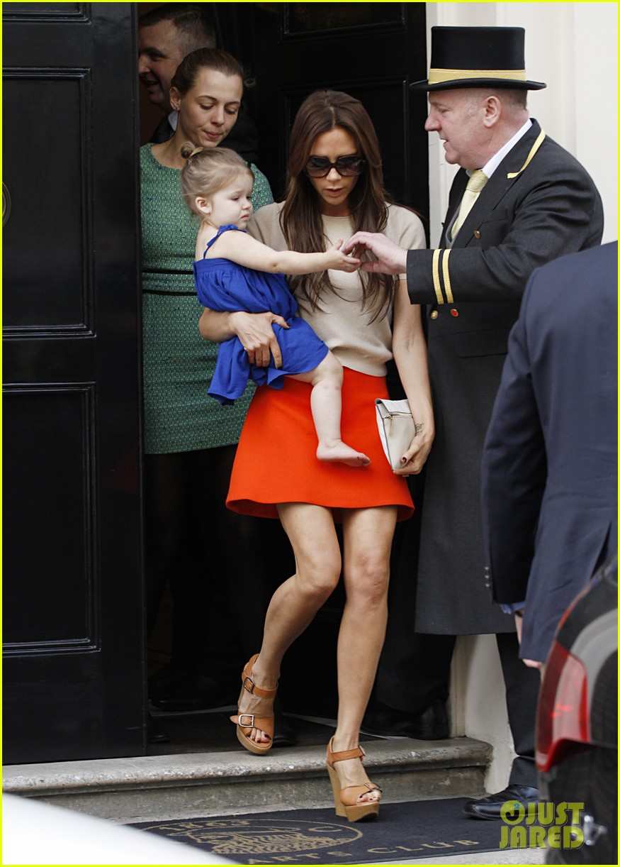 victoria david beckham day out with harper 122857207