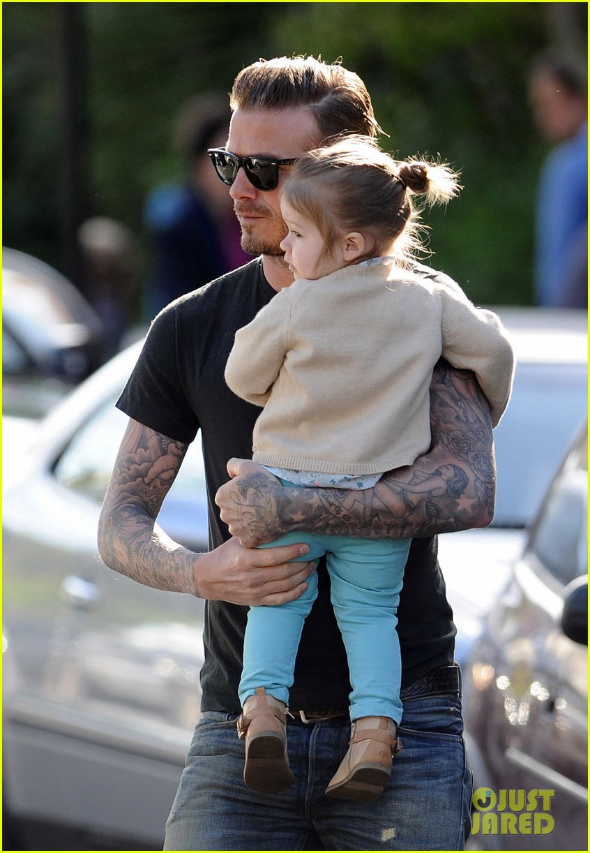 david beckham holds harper close 062861347