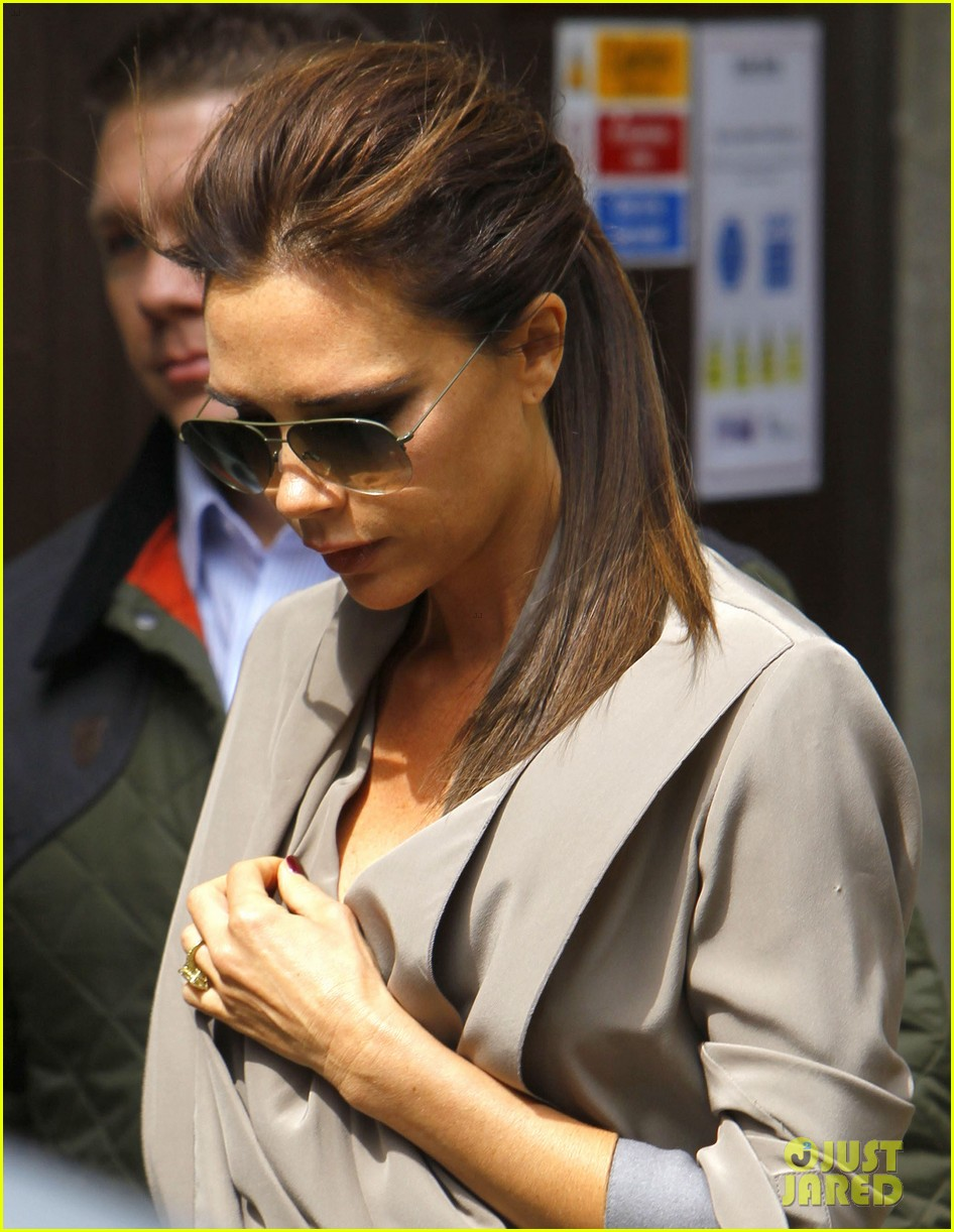 victoria david beckham separate london outings 022860653