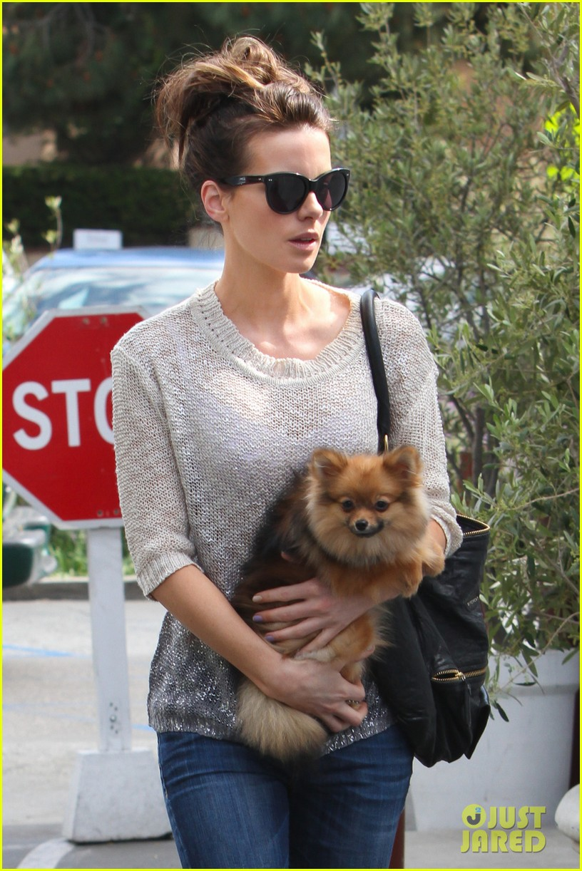kate beckinsale brentwood country mart beauty 042846788