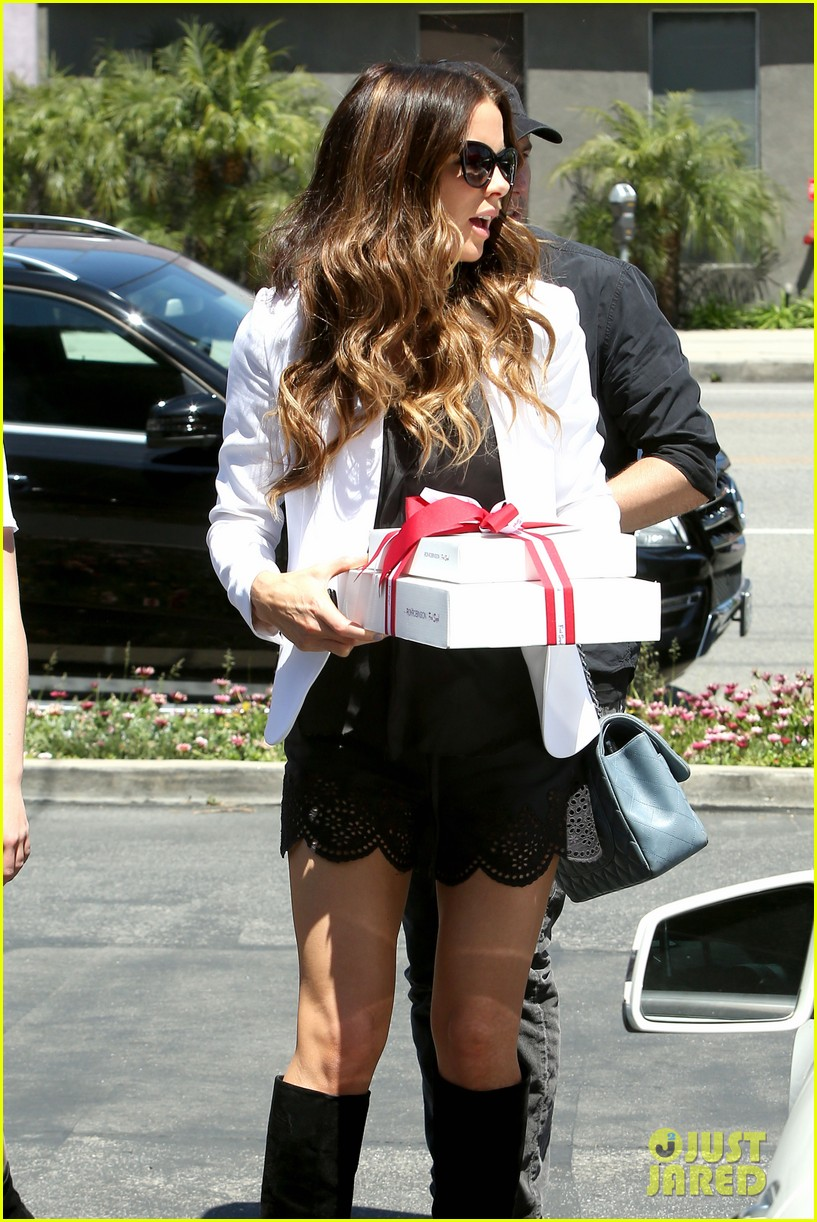 kate beckinsale dressed up at the six 072855415