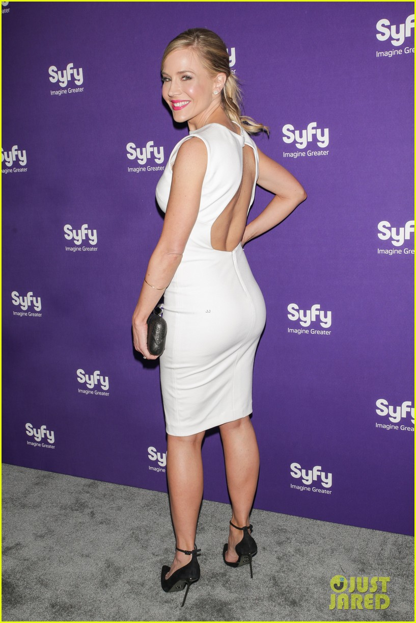 julie benz sam witwer syfy upfronts 2013 142847292