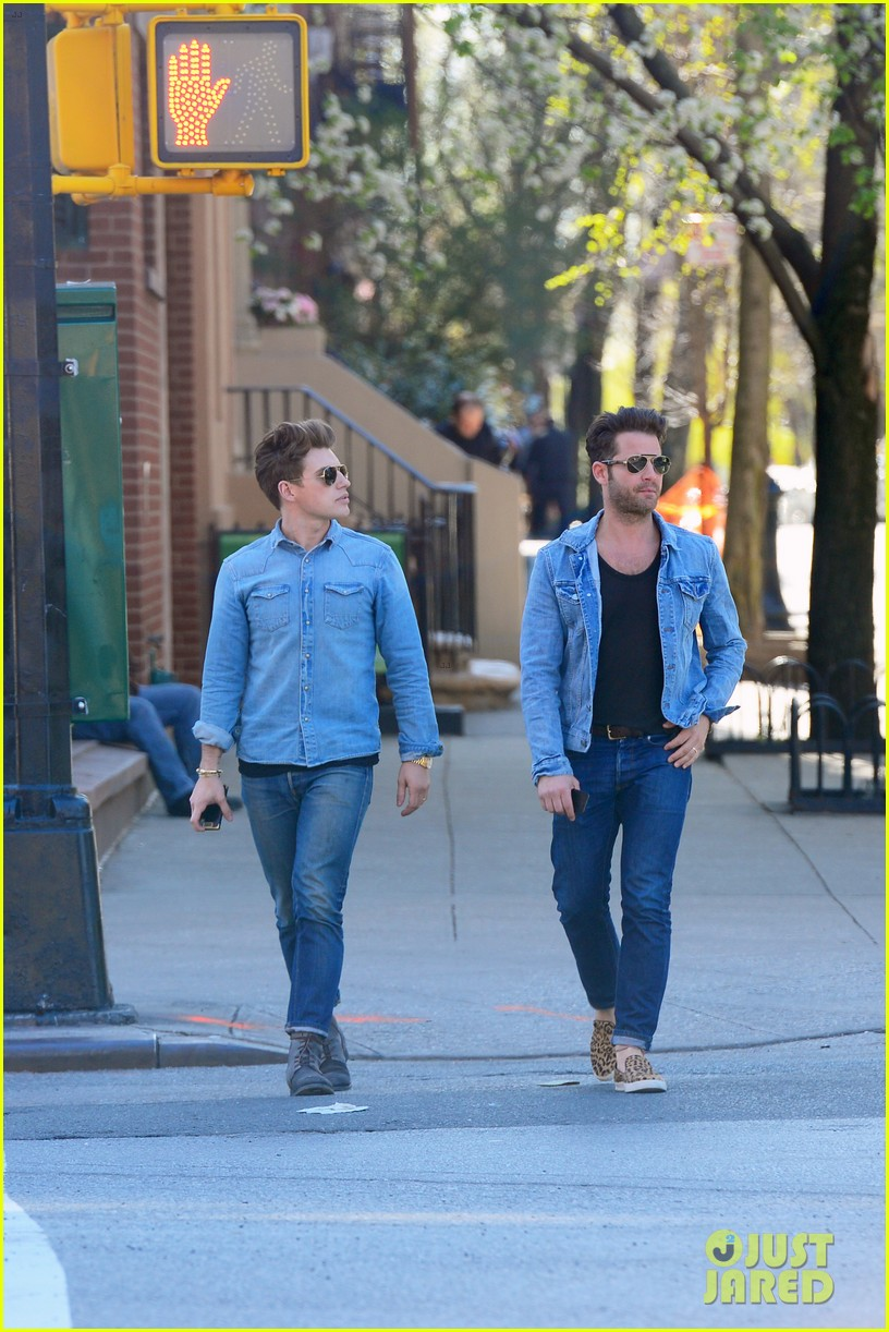 nate berkus jeremiah brent kiss kiss in new york 012852321