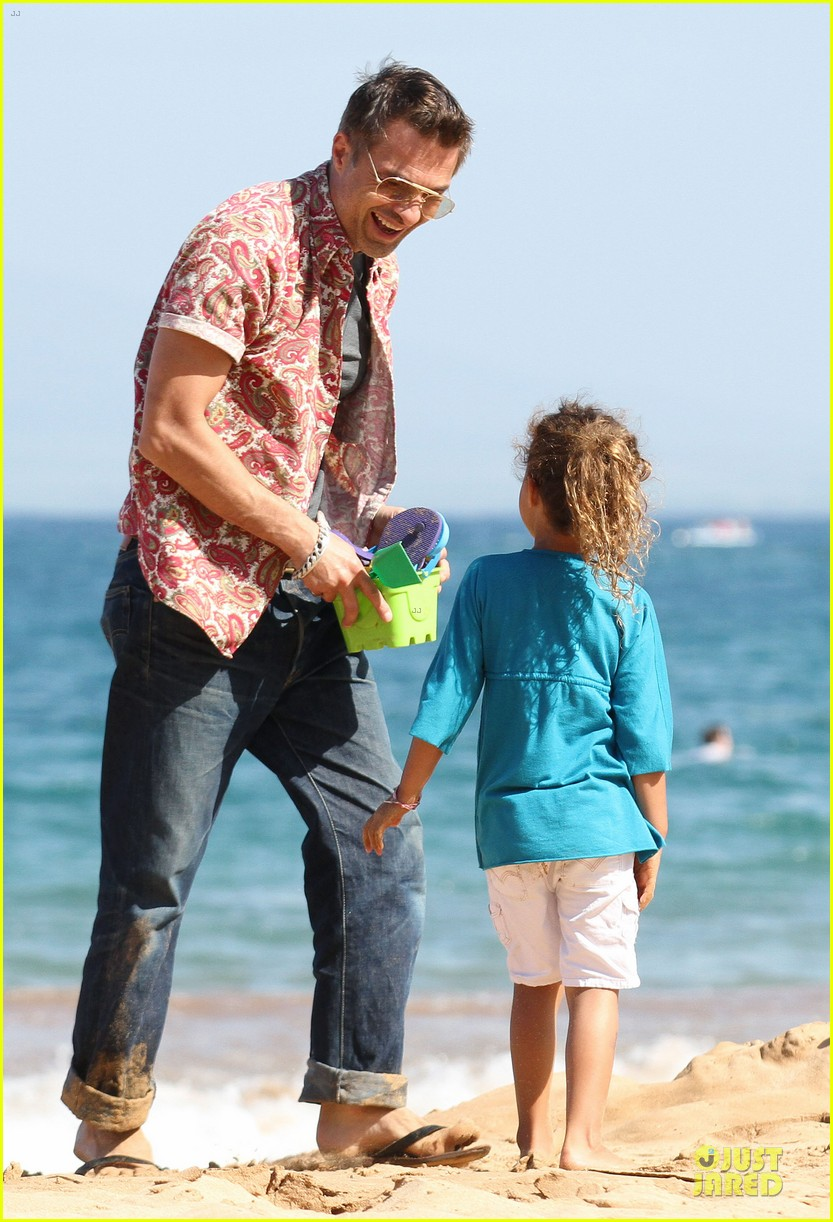 halle berry olivier martinez maui departure with nahla 052841607
