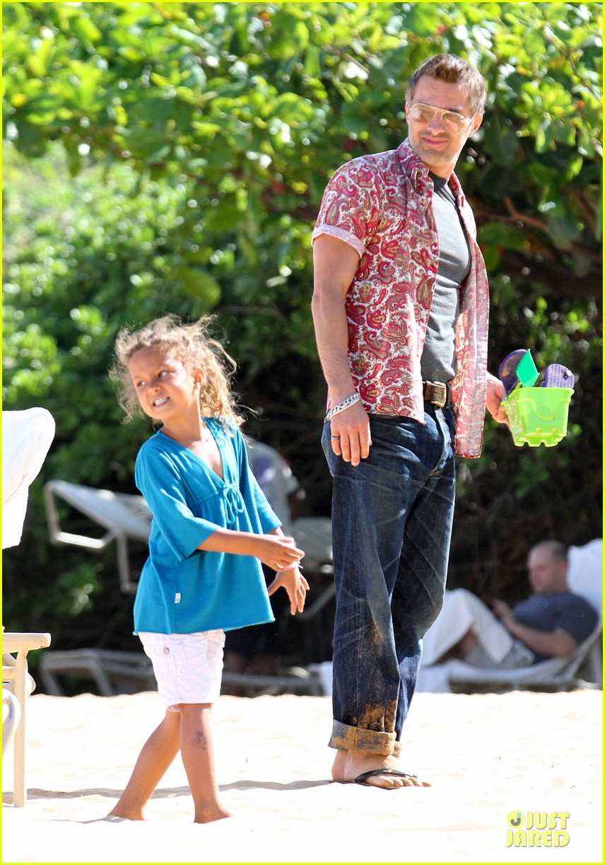 halle berry olivier martinez maui departure with nahla 152841617