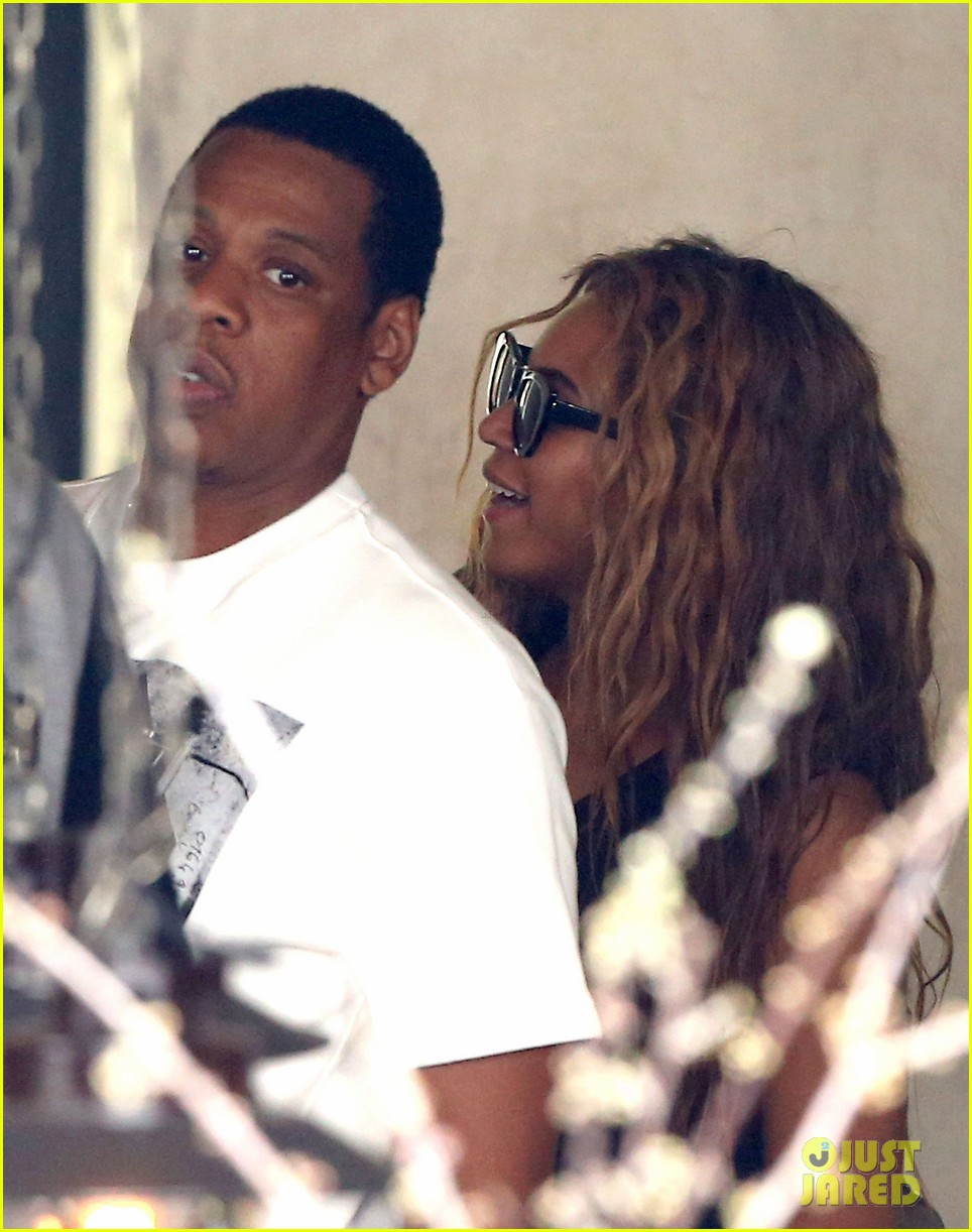 beyonce jay z parisian lunch with blue ivy carter 162857928