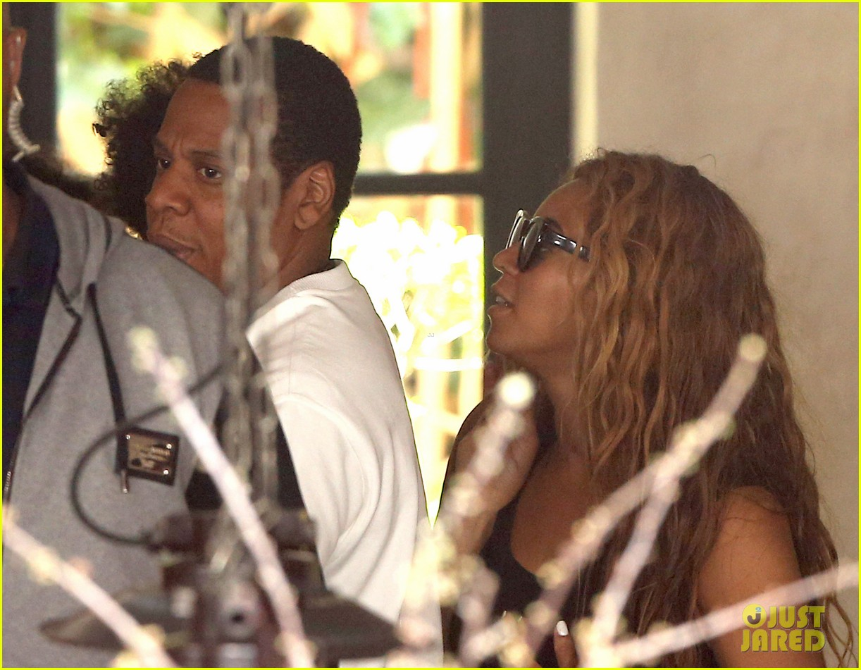 beyonce jay z parisian lunch with blue ivy carter 172857929