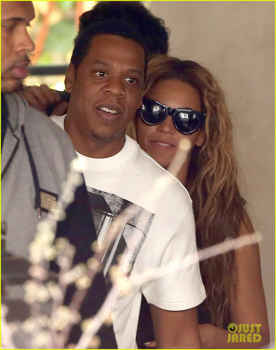 beyonce jay z parisian lunch with blue ivy carter 202857932